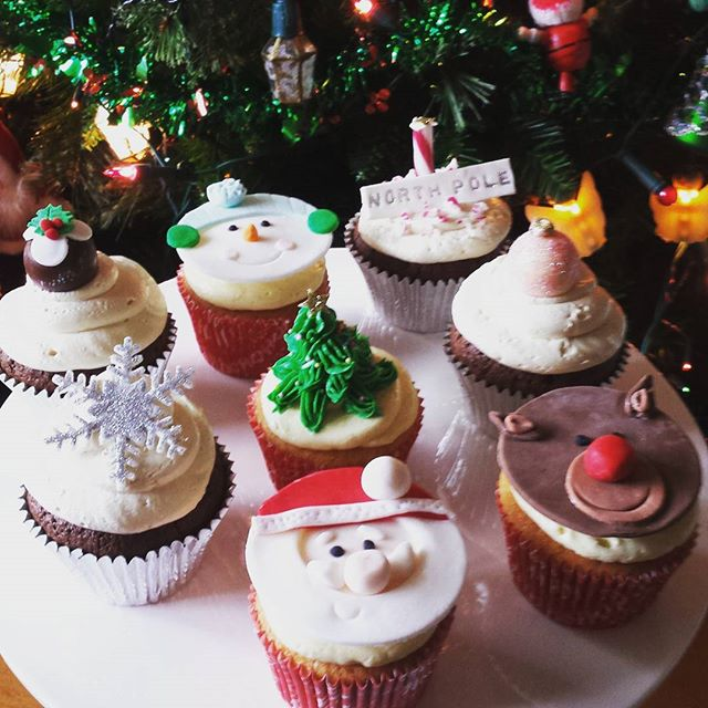Last Christmas cupcake order for the year and I had a little time to try and get a good photo! Just