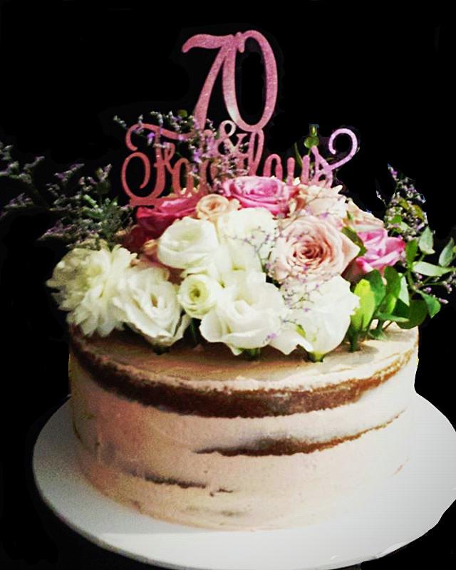 White chocolate & Raspberry Cake filled with lemon curd and raspberry buttercream. #sydneycakes #cak