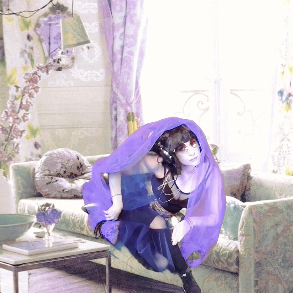 Violet Dream, Dr. Violet Dream