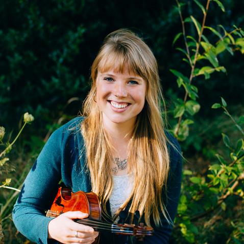 Flora Curzon, Violin