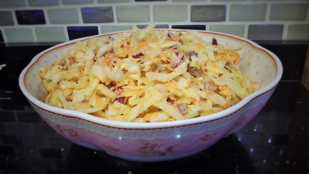 Coleslaw Salatası / Beyaz lahana Salatası