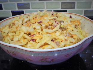 Coleslaw Salata (Beyaz lahana Salatası)