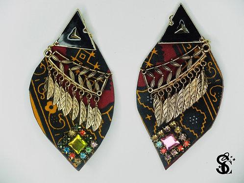 BLACK TRIANGLE GOLDEN LEAF EARRINGS