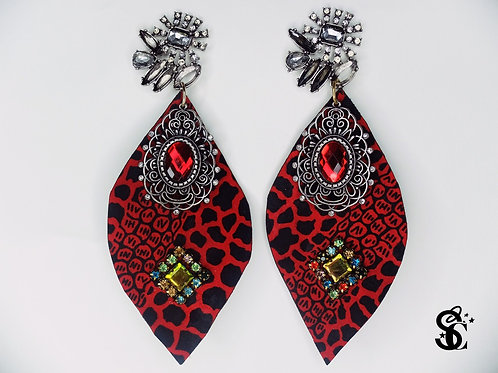 RED PENDANT PRINT EARRINGS