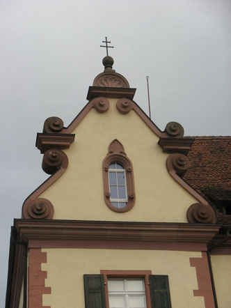 Haus_332x442.jpg