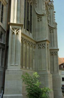 Kirche_außen_292x442.jpg