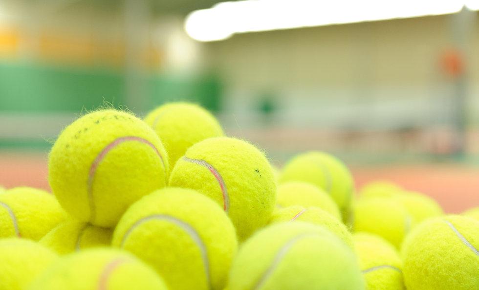 Pile di palle da tennis