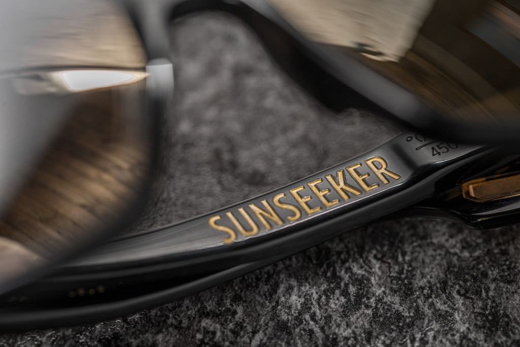 BRAVE Vision-SUNSEEKER-Black-engraved.jp