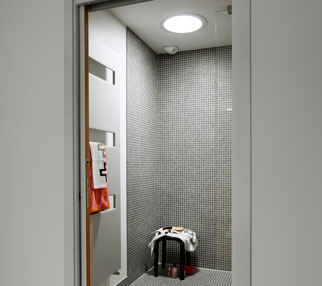 Shower Sun Tunnel