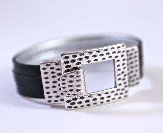 Cheetah Print Clasp Black Leather Bracelet