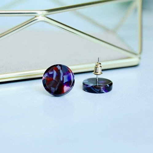 Circle Studs in Mulberry