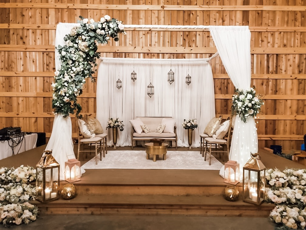 saddle woods mandap chuppah