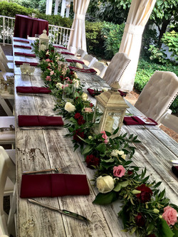 Table runner garland