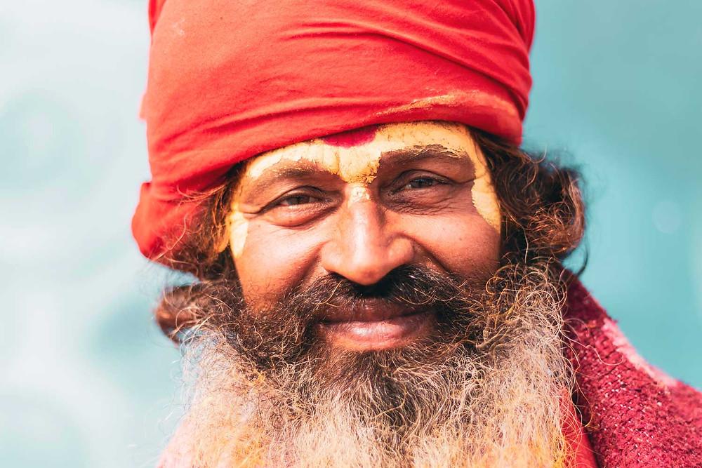 Sadhu neboli svatý muž ve Váránásí v Indii