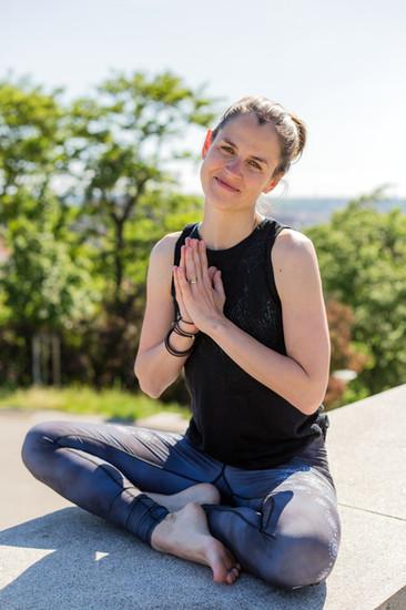 Lektorka Yoga4everybody Linda Donáthová