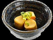 おつまみサラダ:くんちー:燻製風味のチーズ。お酒にも合う。.png
