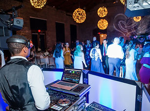 Wedding-DJ-in-Savannah-GA-DJ-Creativity-