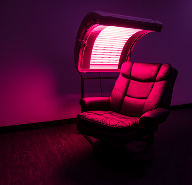 chair with red light revised at night.jp