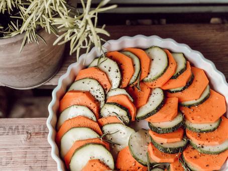 Schneller Süßkartoffel-Zucchini-Auflauf