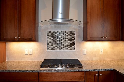 Kitchen Backsplash with Centerpiece