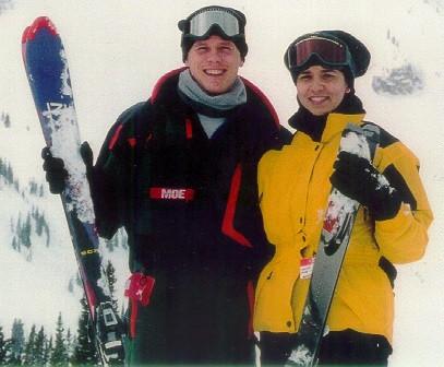 Tom & Becky, skiing.jpg
