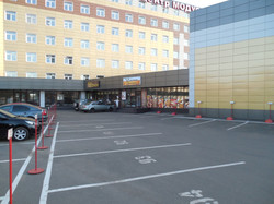 Главный вход в бизнес центр