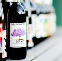 A blend of french-hybrid grapes, this sem-dry red present bright fruit tones