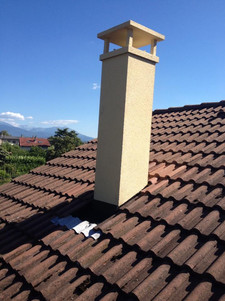 Sortie de toit de cheminée préfabriqué beige