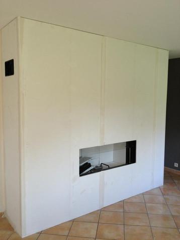 Installation d'un foyer à bois design