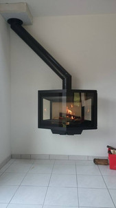 Poêle à bois Suspendu grande vision du feux