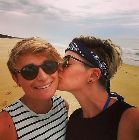 vacaciones lesbianas.png