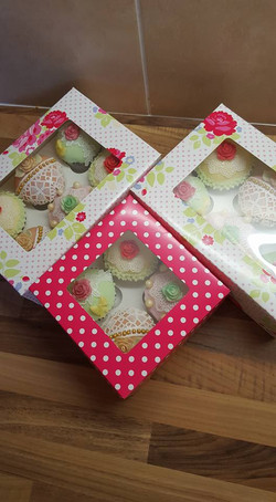Lace Cupcakes Boxed