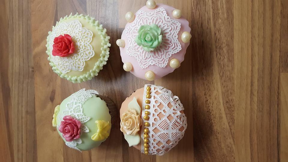 Vintage Lace Cupcake