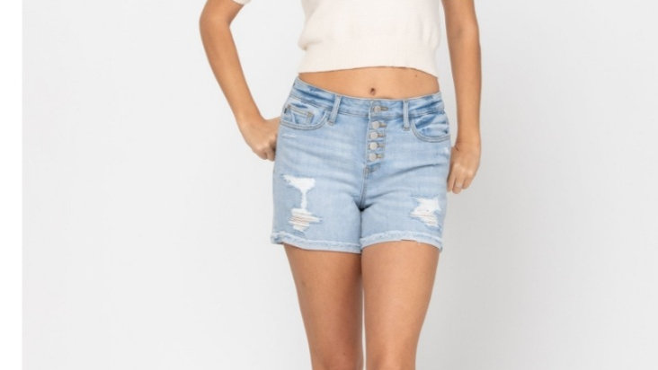 JUDY BLUE  light wash distressed button fly short