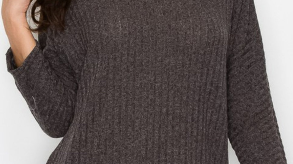 Ribbed 3/4 sleeve sweater with button detail