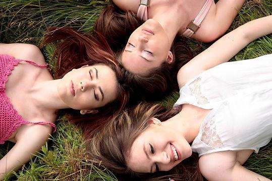 women-1487825_1920 COMPRESSÉE.jpg