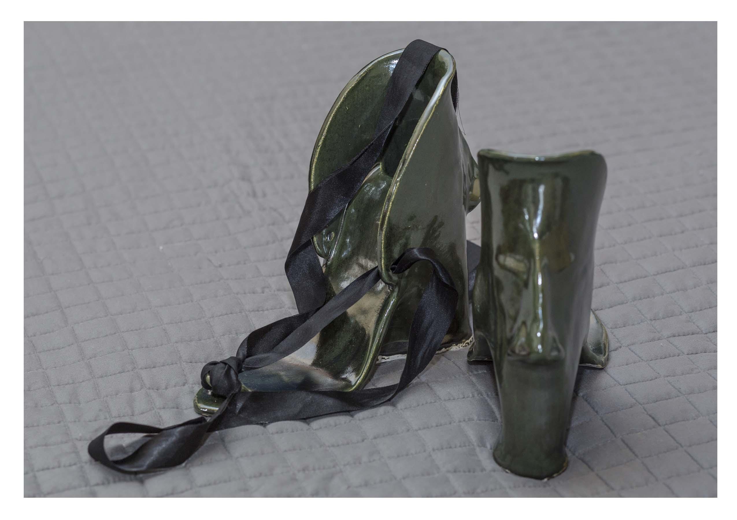 Hilma Krla  metallic dark green Fit In pair .jpg