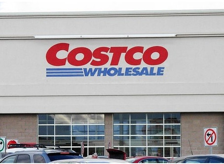 Is Costco's winning streak at risk without curbside pickup?