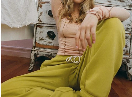 Urban Outfitters swings to surprise profit on strong digital sales