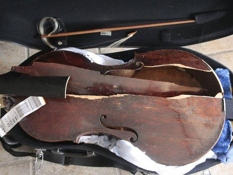Viola da gamba travelling in the hold for Alitalia flight destroyed by baggage handlers