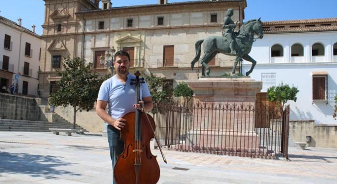 Jose Maria Cuadra (en la Plaza del Coso Viejo de Antequera)