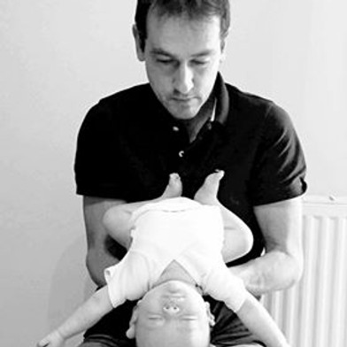 Ostéopathie pédiatrique avec Franck SUTRE