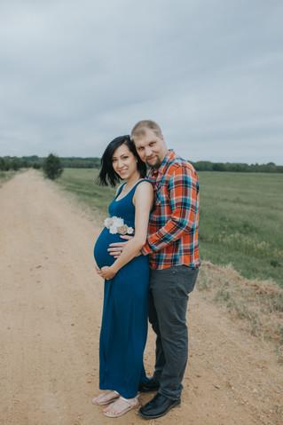 Peter & Rachel | A Fall Maternity Session | BLOGTOBER Day 23 | Memphis Family Photographer