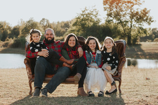 The Payne Family | A Country Christmas Family Session | Memphis Family Photographer