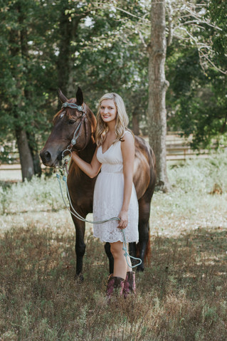 Brittany | A Senior and Her Horse | Fisherville Farms | Memphis Senior Photographer