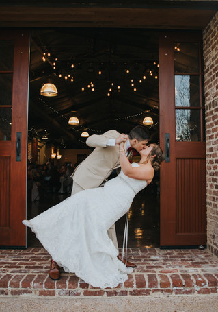 The Bratton Wedding | A Romantic, Fall Wedding | One Memphis Street | Memphis Wedding Photographer