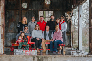 The Lloyd Family | A Christmas Family Session | Memphis Family Photographer