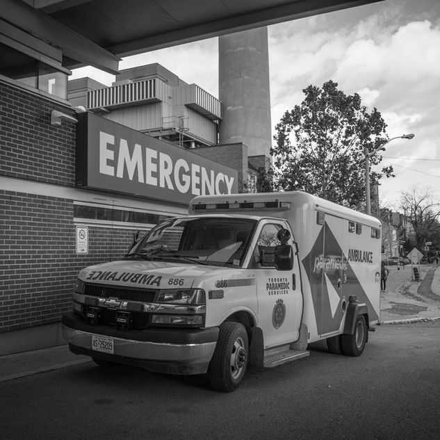 Toronto Western Hospital ambulance bay