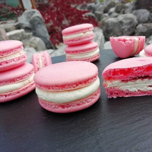 Macarons_#macarons #erdbeer #hochzeit  #