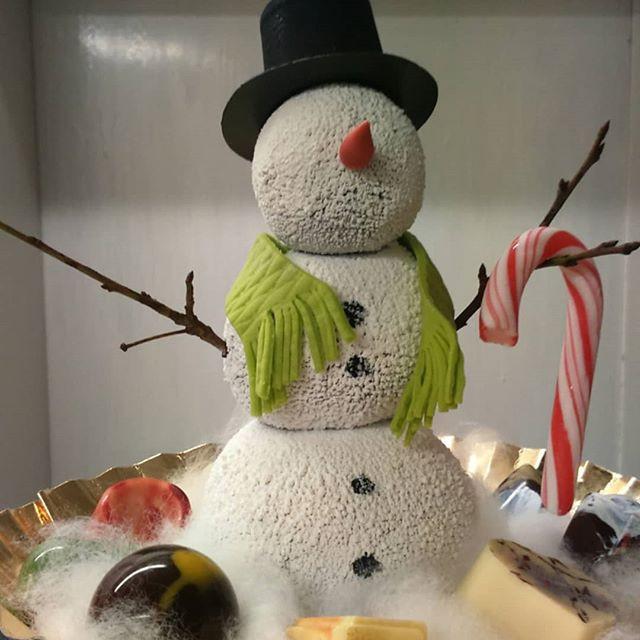 Beschwipster Schneemann mit Pralinen ⛄🍻